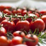 Почему помидоры краснеют, когда полностью созреют?